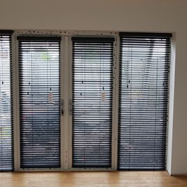 35m/m Wood Venetian blinds in grey